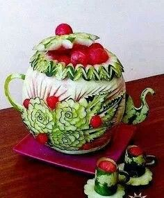Amazing food art - I was always told not to play with my food, but this is just amazing and so pretty!