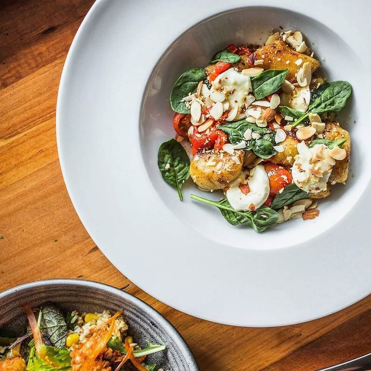 Loving the vegetarian vibes at Coalfire in #Queenstown! Try this gnocchi with roasted capsicum basil cherry tomatoes almond and bocconcini . . . . . @coalfireqt #vegetarian #pasta #veggie #vegetables #gnocchi #friday #friyay #holiday #holidayfun #christmas #newyear #foodie #foodiegram #foodblogger #goodfood #foodporn #foodgasm #foodlover #fridaynight #food #eat #eatingfortheinsta #restaurant #eats #eatstagram #eatout #pastalover