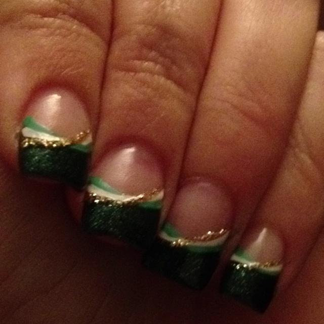 St. Patrick's Day nails