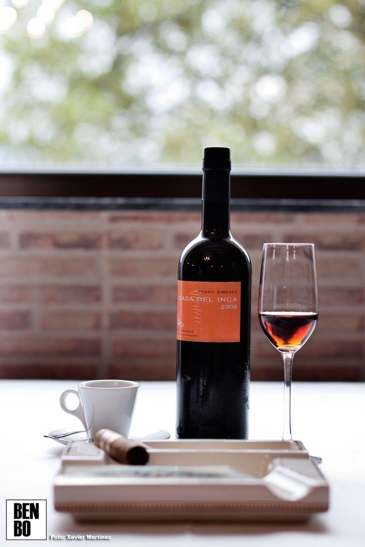 Un café Blue Mountain acompañado de una copa de Pedro Ximénez y un Romeo y Julieta es la propuesta para la sobremesa
