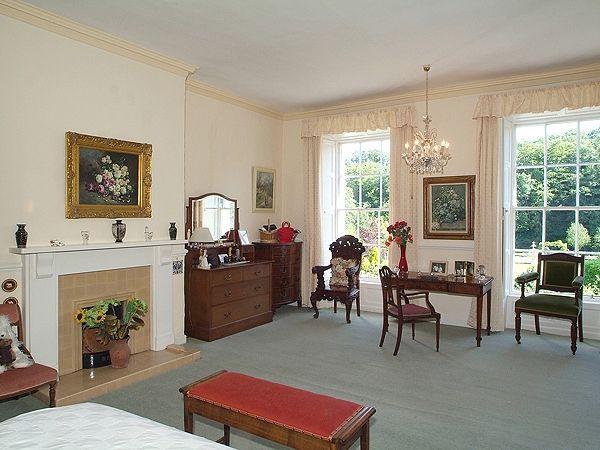 Property: Marshfield House On C.3.24 Ha (c.8 Acres),