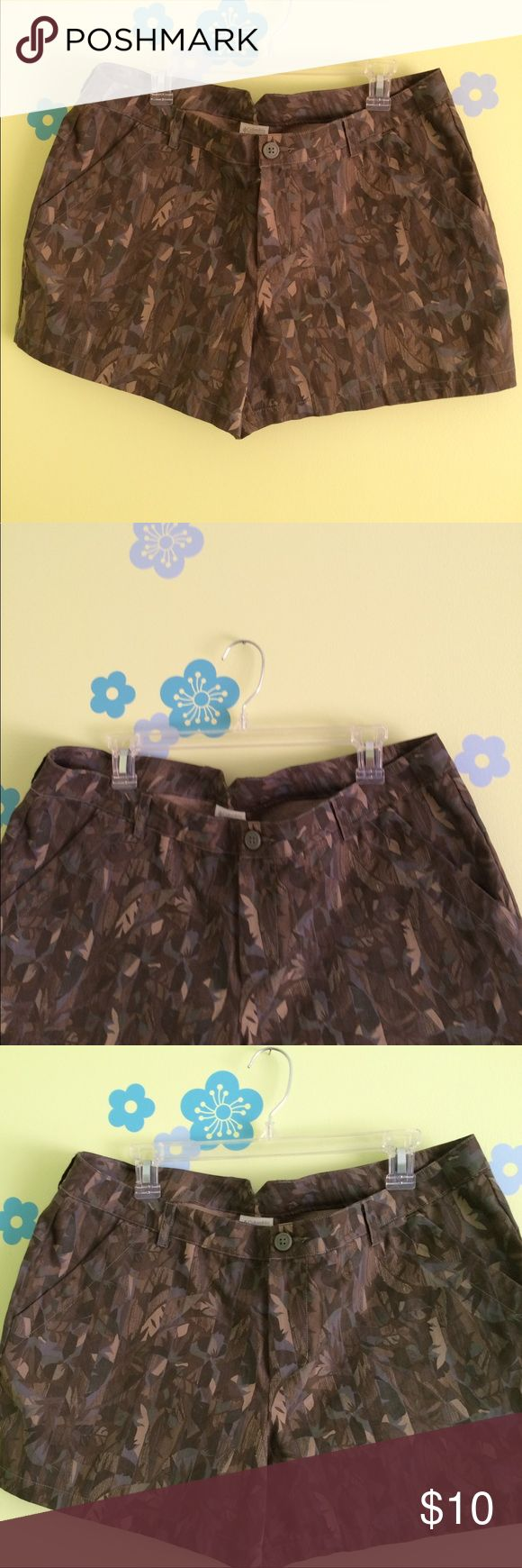 Columbia sportswear camouflage shorts Nwot, Columbia sportswear shorts. Size 16. Colors- brown, tan , gray. Four pockets. So cute!! Columbia Shorts