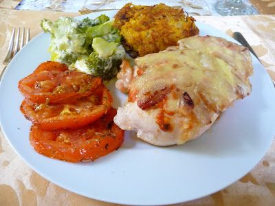 CREAMY SAUCE, BACON AND SWISS CHEESE SMOTHERED CHICKEN BREASTS