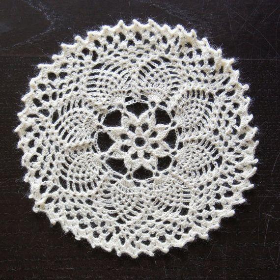 Vintage Crochet Doily #crochet от Khanolainen на Etsy