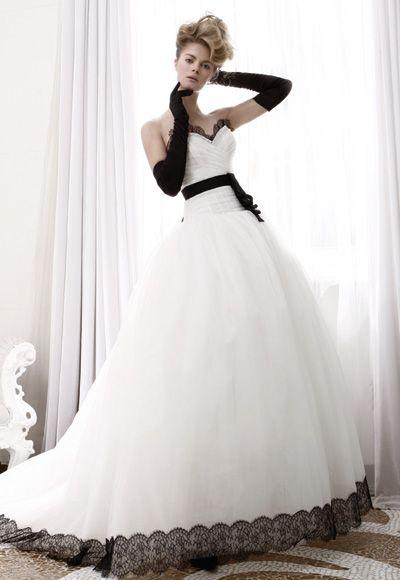 Robe de mariée pas cher | Robe de soirée pas cher - Belle robe bustier col en cœur ornée de ceinture jupe ample en organza