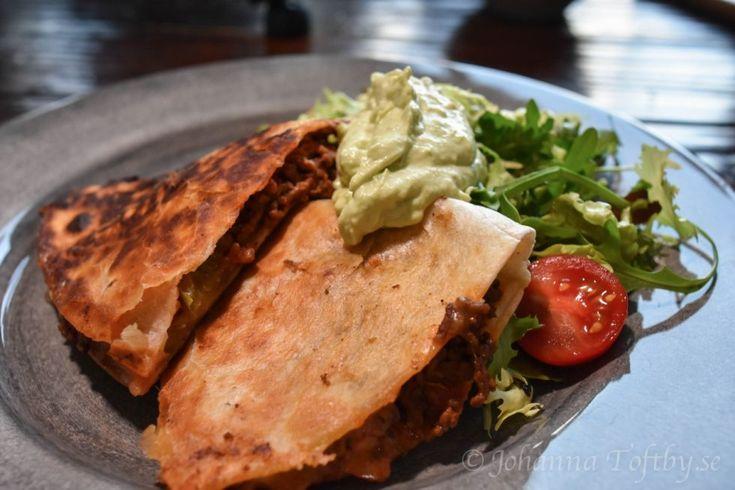 Grillad tortilla med köttfärs och guacamole
