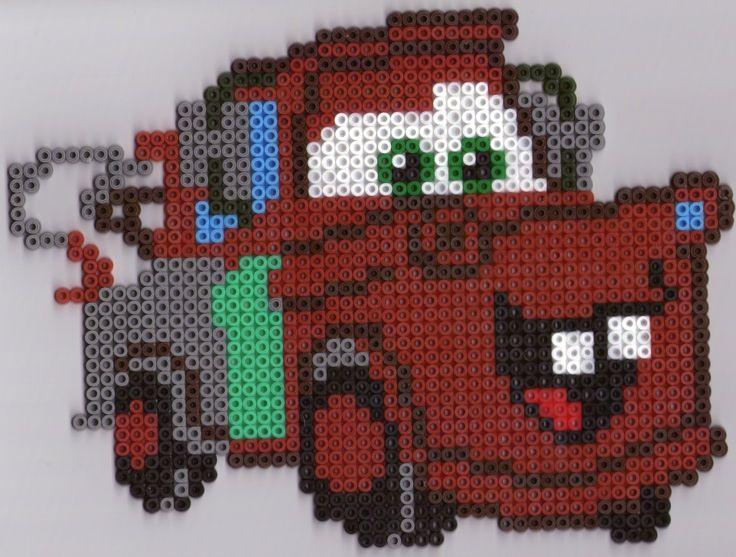 """Coffret Hama """"Cars Martin et Luigi"""" il vous faut 4 grandes plaques carrées pour chaque modèle Luigi Martin : Modèle réalisé par Séverine (merci à toi pour ce modèle)"""