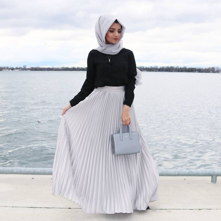 """4,485 Likes, 39 Comments - S A I M A K H A N (@saimascorner) on Instagram: """"Photography by @aliya.amarsi Hijab from @voilechic Cardigan from @poplook"""""""