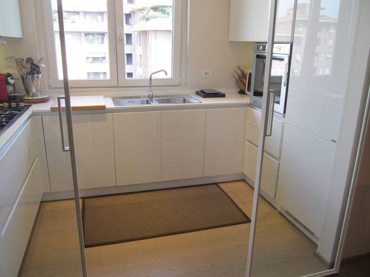 Cerchi idee per arredare una cucina di dimensioni ridotte? L…