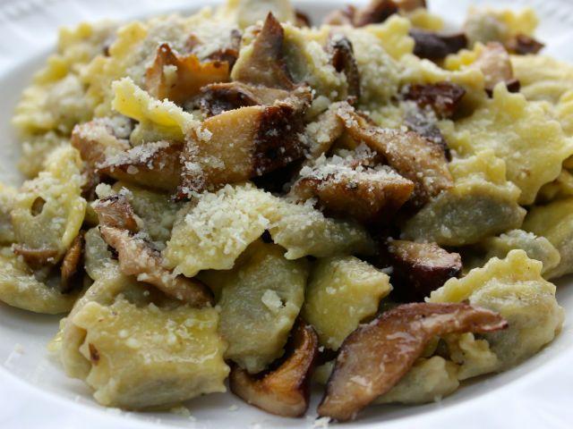 Sunday Pasta�: Ravioli del Plin con Fontina e Tartufo Bianco (Cheese and Mushrooms) - The Garrubbo Guide