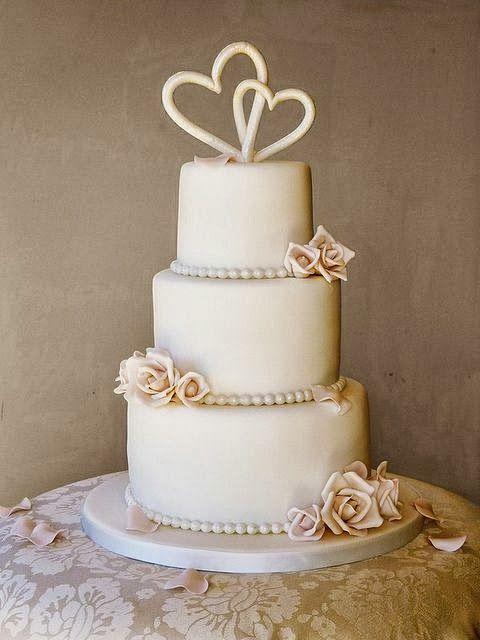 Tarta de boda con corazones