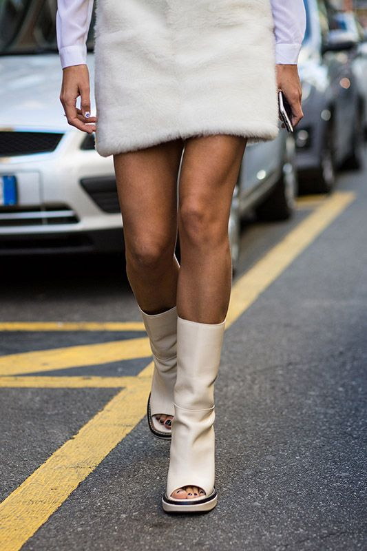 SS16 Streetstyle details Cream Color Peep Toe boot  black nails short fur dress