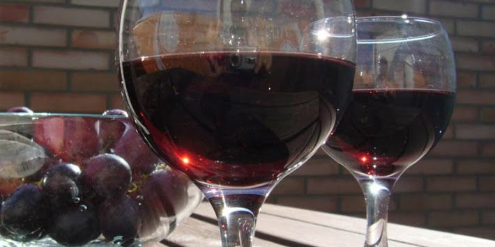 Nápoje - červené víno