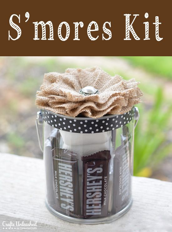 Summertime Hostess Gift Idea: DIY Smores Kit from www.craftsunleashed.com