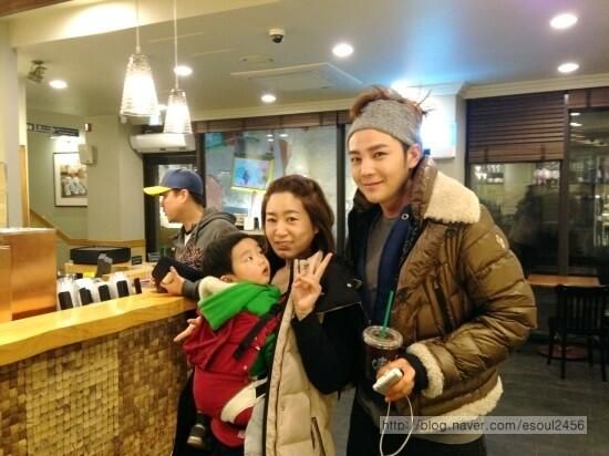 Jang Geun Suk : shopping on Lotte Duty Free shop Jeju island ...
