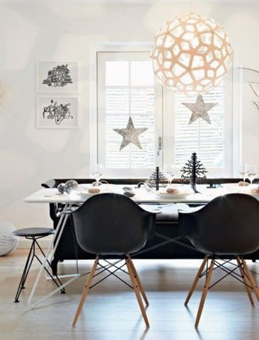 Holiday Decor Ideas That Are Not Red Or Green