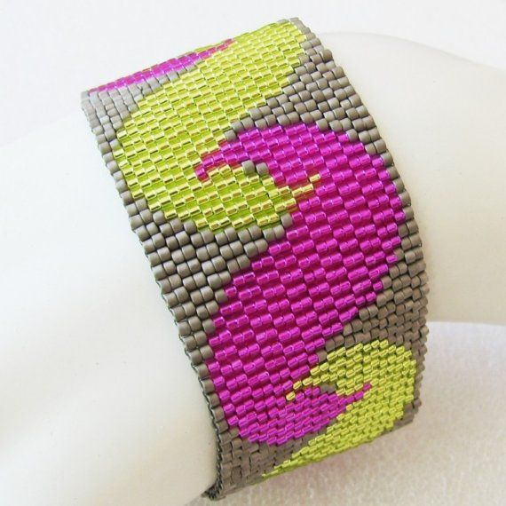 I drafted this design a few months ago but didnt have time to bead it up until now. While I can no longer remember what my inspiration for this was, I think its safe to assume I was having fun. LOL The cuff will be a joy to wear. Dress it up or down; it will fit right in. It wont get in