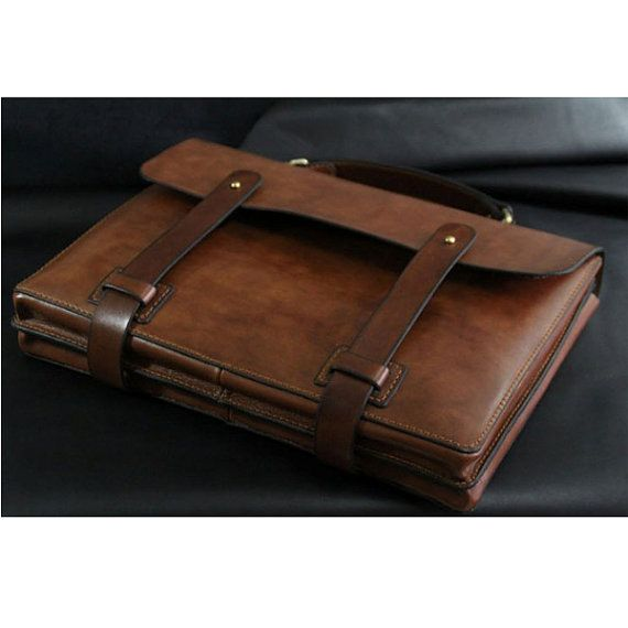 """Welcome to my shop!  This MacBook bag is so amazing.It was designed and built to be classcial,functional and durable for years and years.It will be age and turn beautifully.  Matieral:Vegetable tanned leather  Measurement: L*W: 13.5"""" *9.5"""". • accommodates MacBook Air 13-inch &MacBook Pro 13-inch  If you prefer this case style in other kind of leather, color or size, please feel free to contact me!  Price of 11-inch MacBook Air : 130 $.  Price of 15-inch MacBook Pro:200 $.  Note: Payment: ..."""