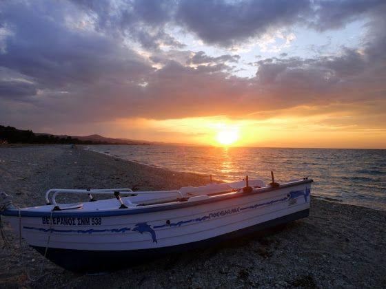 Γλαρόκαβος-Χαλκιδική  http://magdax.blogspot.gr/2011/07/kassandra-halkidiki-part-2.html
