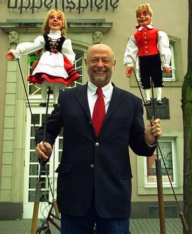 Hänneschen Theater is a famous puppet theatre where the protagonists (in this case Hänneschen and Bärbelchen) are directed by sticks.
