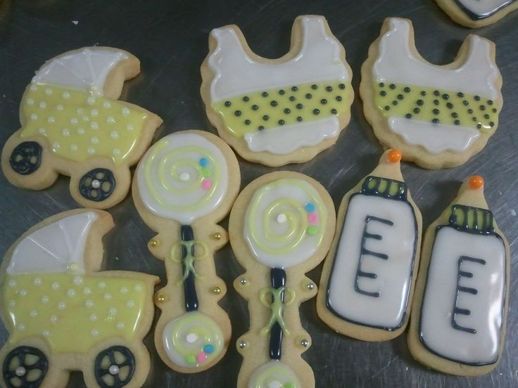 cookies for my brother and his wife; they had a couples baby shower, bbq, party thing.