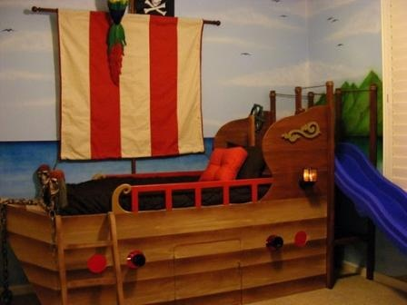 17 best pirate room images on pinterest pirate ship bed for Boys pirate bedroom ideas