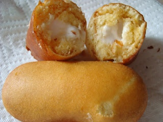 Deep fried twinkies! I will be making a delicious strawberry sauce with mine (or caramel, or chocolate)! EXCELENTE !!!