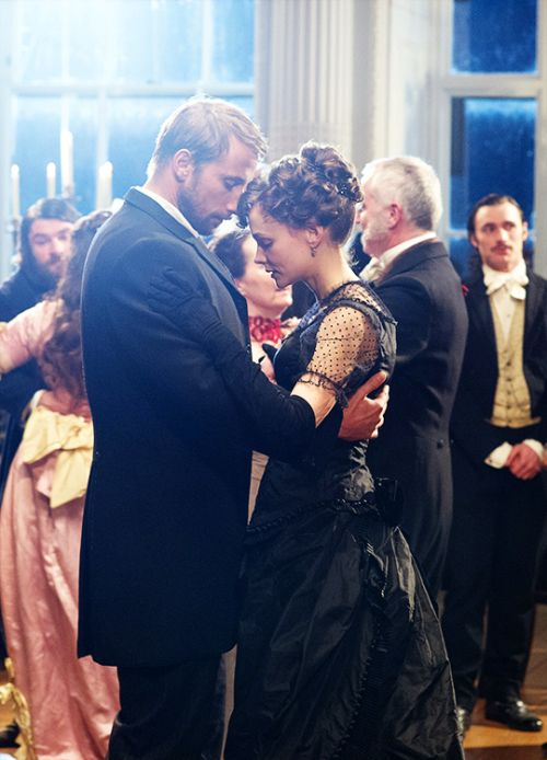 fuckyeahcostumedramas:  Matthias Schoenaerts & Carey Mulligan in 'Far from the Madding Crowd' (2015).