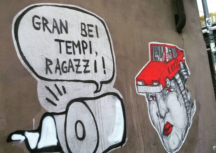 "... e comunque ""gran bei tempi, ragazzi"" #streetart #igersfirenze #igerstoscana #urban #street #igersitalia #murifiorentini #mainagioia #maiunagioia #streetartfirenze #hopnn #hopnnyuri @yuri_hopnn"