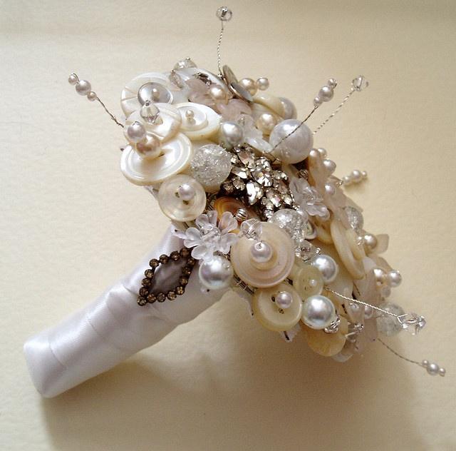 Mini #bouquet di perle, perfetto per #damigelle #charme