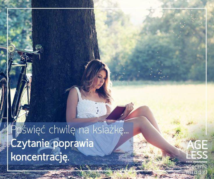 Książki nie tylko są świetnym sposobem na nudę, ale także są idealnym przyjacielem dla naszego umysłu. Pobudzają wyobraźnię, a ponadto ich czytanie poprawia koncentrację. Nie zapomnijcie zabrać dobrej lektury na wiosenny spacer! :)  #ageless #wiecznamlodosc #ksiazka #koncentracja #wiosna #spacer www.ageless.pl