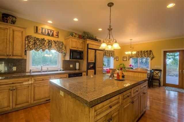 kitchen, cabinets, wood floor, paint Sherwin Williams Blonde