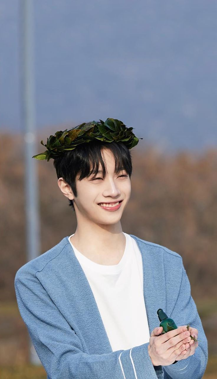 Wanna One x Innisfree: Wanna One Go in Jeju Lai Guan Lin Wallpaper