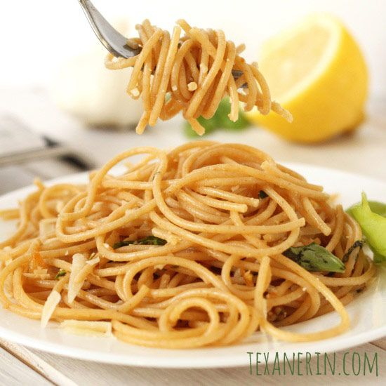 This Lemon Garlic Spaghetti only takes a few minutes to make and can be made to fit your diet with regular, whole wheat or gluten-free spaghetti. From texanerin.com.