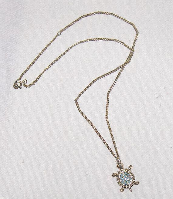 Sarah Coventry Canada Vintage Necklace  Pendant Turtle Turquoise Color  Stones  #SarahCoventry #Pendant
