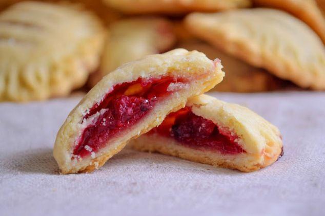 Вишнёвые мини-пироги