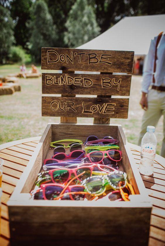Summer wedding favors