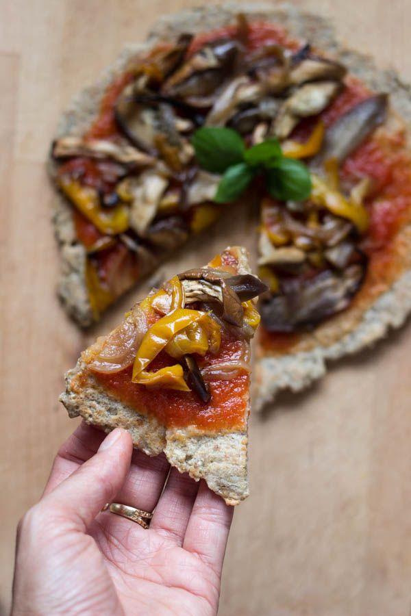 Pizza in padella senza farina e senza lievito. Senza glutine. Vegan.