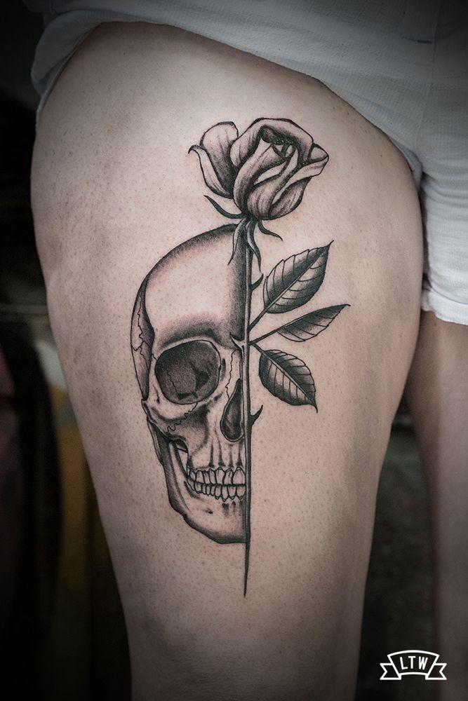 Pohozhee Izobrazhenie Tatuajes Rosas Y Calaveras Tatuaje De Unas Tatuajes De Craneo Con Flores