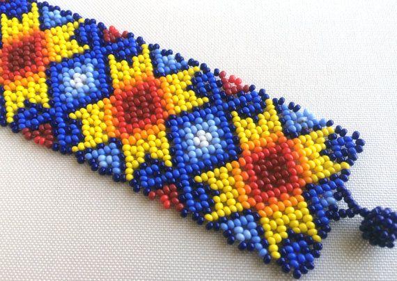 Mexican Huichol Beaded Bracelet por Aramara en Etsy