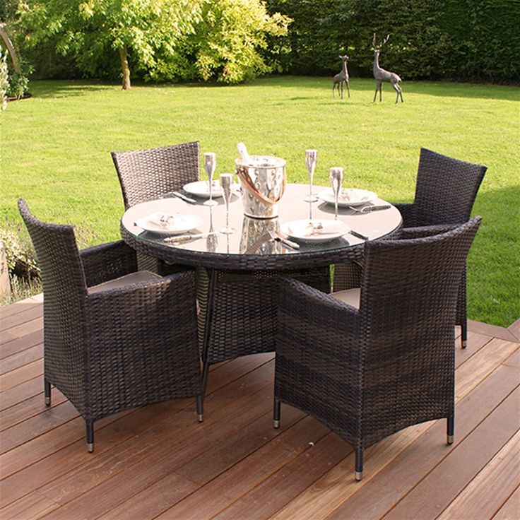 The Maze Rattan Miami 4 Seat Round set is ideal for small patios. With 4 Miami chairs with padded seat cushions and a 1.2m table, you and your guests can dine in comfort. Hand woven with Maze Rattan's all weather weave this set can be left outside all year long and is virtually maintenance free.