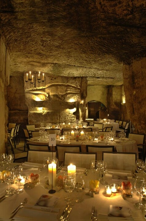 Unieke locatie in de grotten voor feesten, bruiloft of zakelijke bijeenkomst. Vlak bij Maastricht