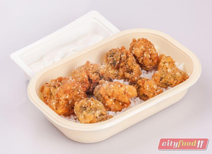 Rántott brokkoli szezámmagos bundában, jázmin rizs, tartármártás.  http://www.cityfood.hu/ebed-hazhozszallitas/etlap-cityfood-ebed-rendeles