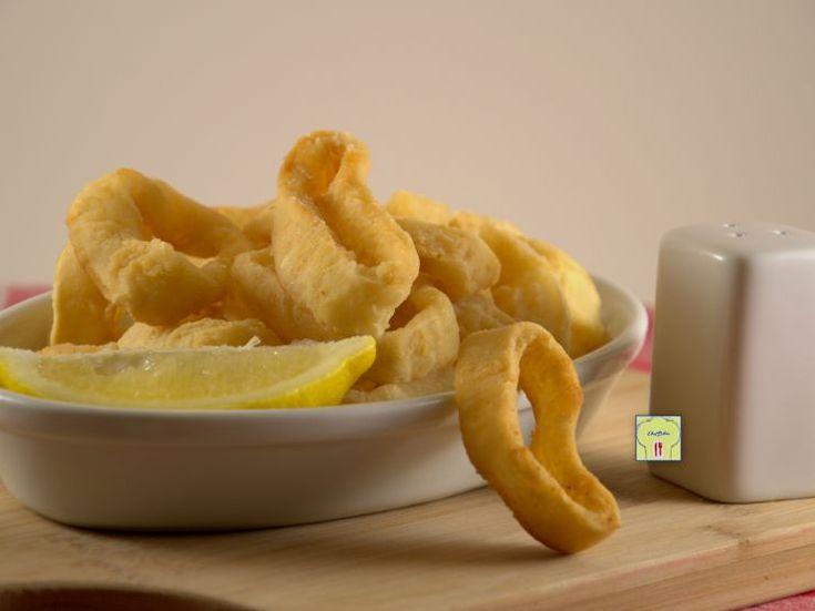 Anelli di calamaro fritti: tutti gli accorgimenti su come realizzare una frittura perfetta, dorata, croccante e asciutta