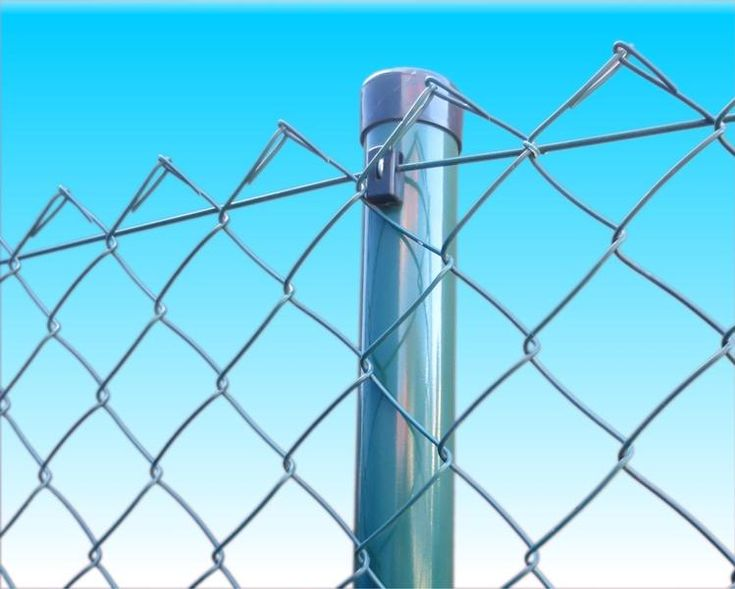 Pletivo na plot je dôležitou súčasťou oplotenia.