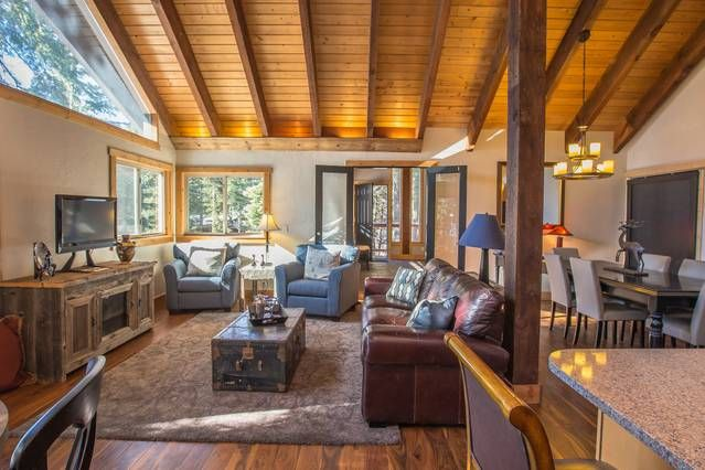 $149/night - airbnb - Tranquil, Serene Lake Tahoe Hillside Cabin - Houses for Rent in Carnelian Bay, California, United States