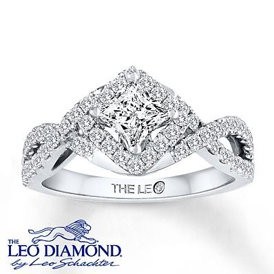 The unrivaled brilliance of Leo Diamonds are on full display in this unique princess-cut engagement ring.