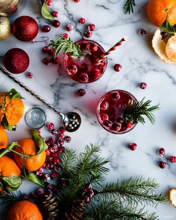 #AbsolutWarhol Rosemary Infused Citrus and Cranberry Holiday Pop Cocktail / Fork Knife Swoon @forkknifeswoon