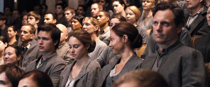 映画 ダイバージェント(Divergent) 原作:ヴェロニカ・ロス 監督:ニール・バーガー 出演:シェイリーン・ウッドリー ケイト・ウィンスレット ゾーイ・クラヴィッツ マイルズ・テラー テオ・ジェームズ アシュレイ・ジャッド アンセル・エルゴート マギー・Q - Heart Attack Annex 2013 Add
