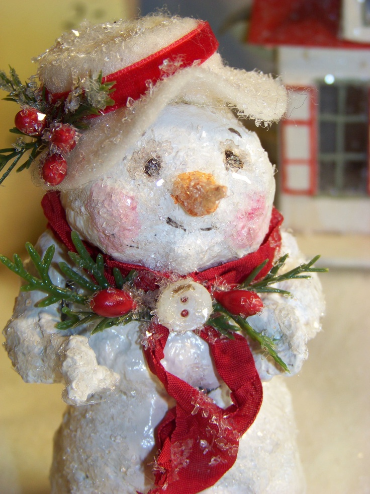 1000 images about christmas snowmen clay paper mache etc for Paper mache christmas